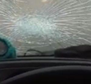Circunvalación: un demencial ladrillazo impactó contra un camionero de Malabrigo